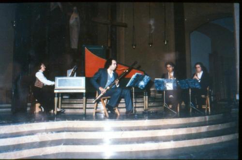 Concert a la Parròquia dels Josepets. Escola de Mestres Blanquerna. Anys 70