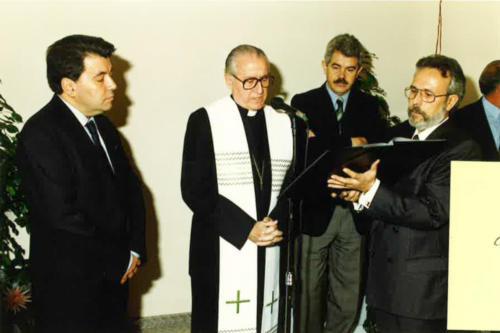 Mons. Ricard Maria Carles. Benedicció de les primeres aules dels estudis de Comunicació. FCC. 1994