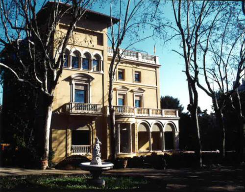 Edifici de la Tamarita, seu de la Fundació Blanquerna.