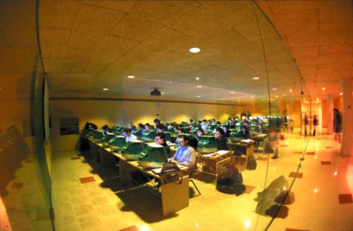 Aula d'informàtica. FCC. 2004