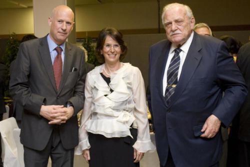 Sopar 60 anys empreses, Lluís Font, Esther Giménez-Salinas i Ricard Fornesa, president de la Caixa, 2008